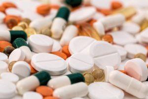 обязательную маркировку лекарств
